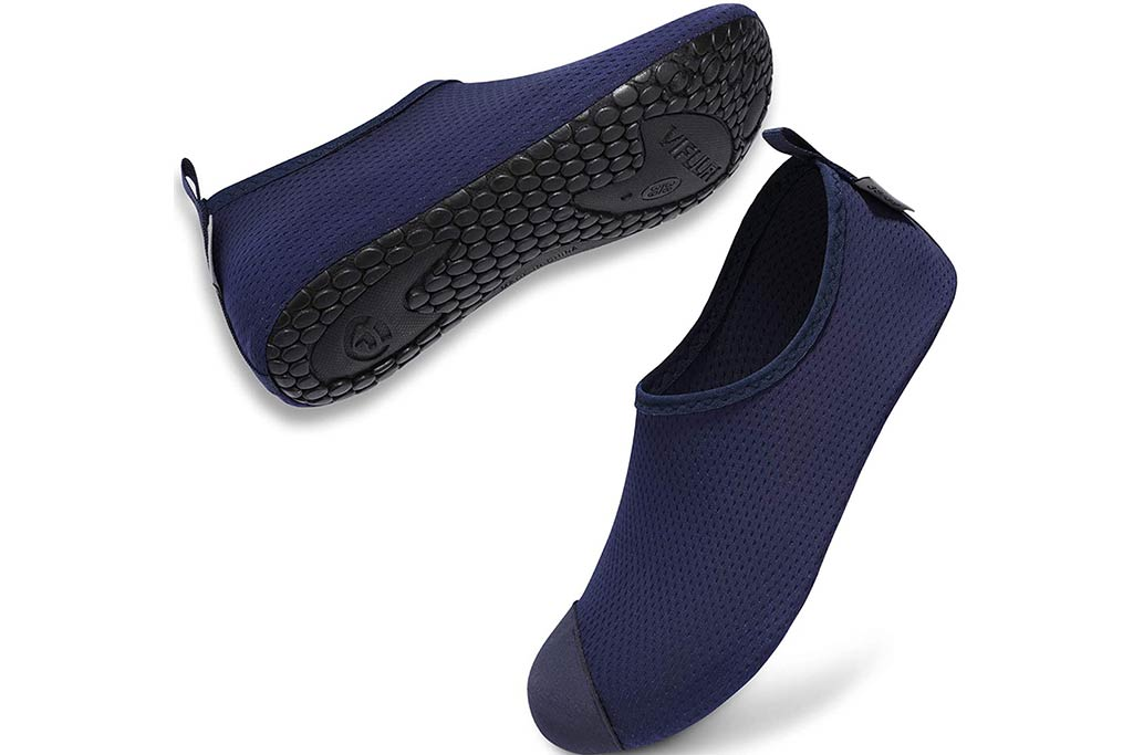 best shower shoes for college 3