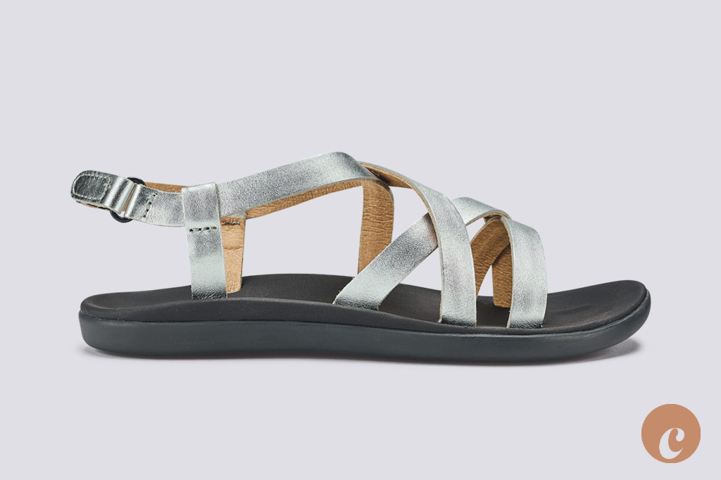 olukai upena girls sandals in silver